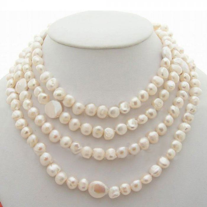 White coin and fancy pearl necklace From Bangladesh in Leisfita.com
